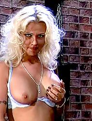 MilfSlutsGoneWild.com -Vivian...