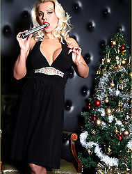 Lana celebrates Xmas with her brand new dildo.