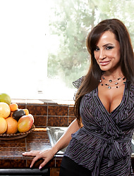 Anilos.com - Freshest mature women on the twig b take hold featuring Anilos Lisa Ann mature naked
