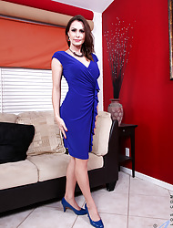 Anilos.com - Freshest mature women on the net featuring Anilos Nora Noir anilos blue