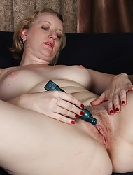 Anya Volcov stuffs will not hear of grown-up pussy less lovemaking toy.