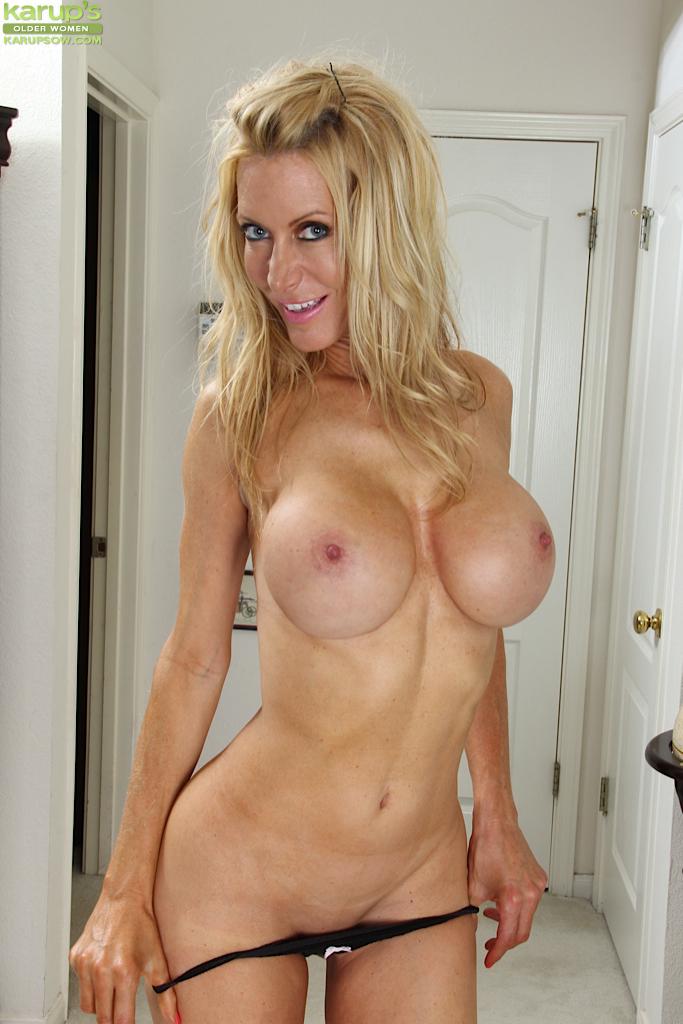 Blonde Big Ass Small Tits